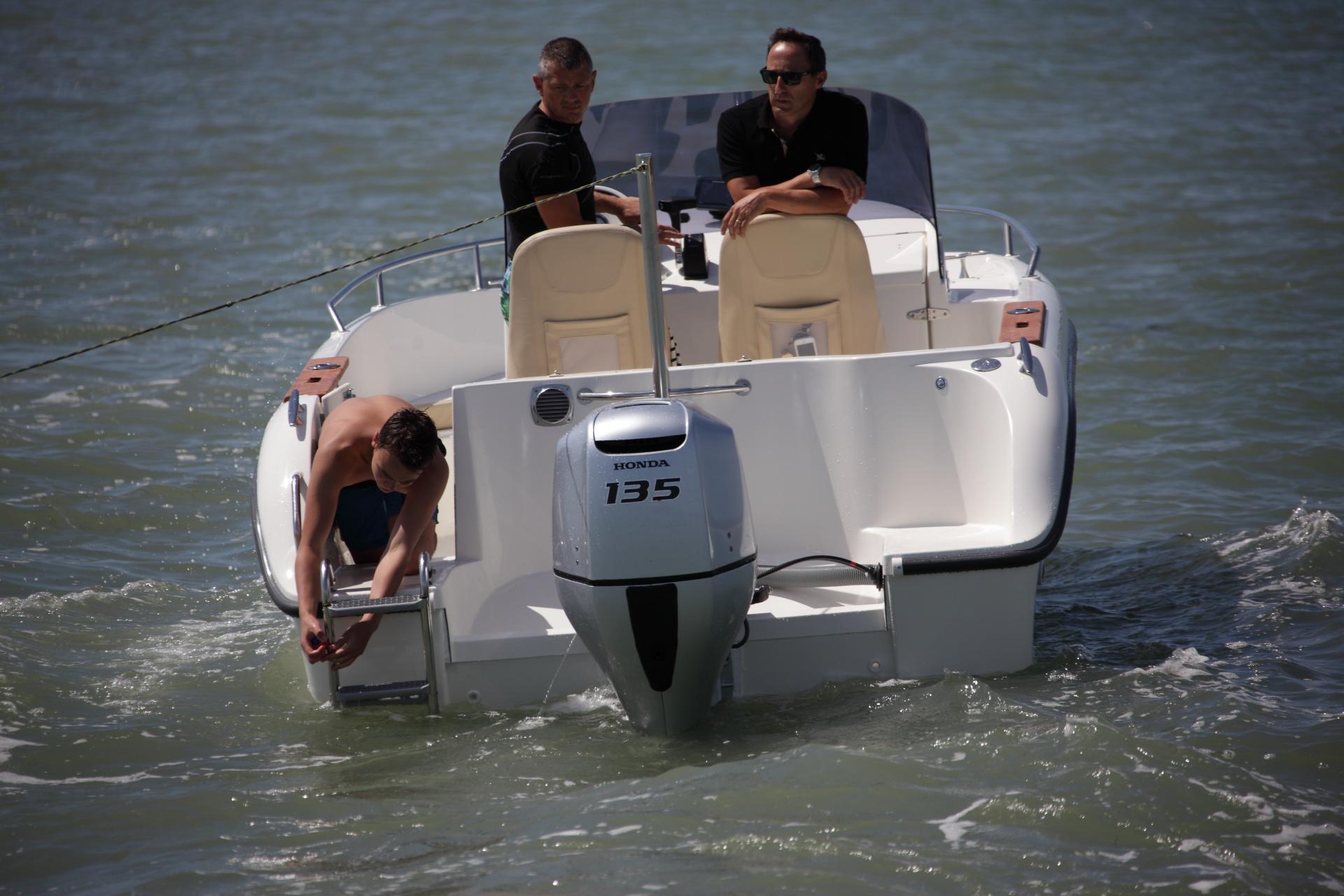bateau  u00e0 moteur ocqueteau abaco 630 open