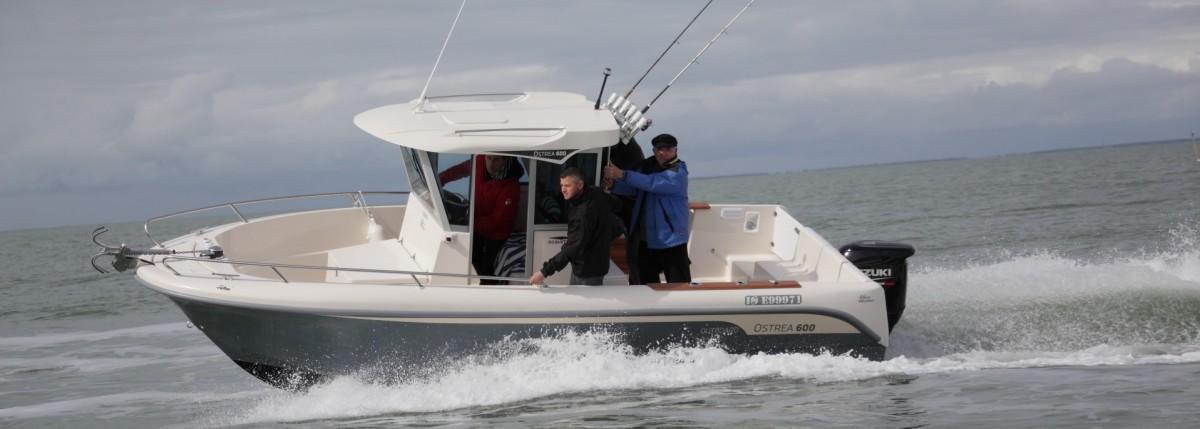 bateau de peche rapide