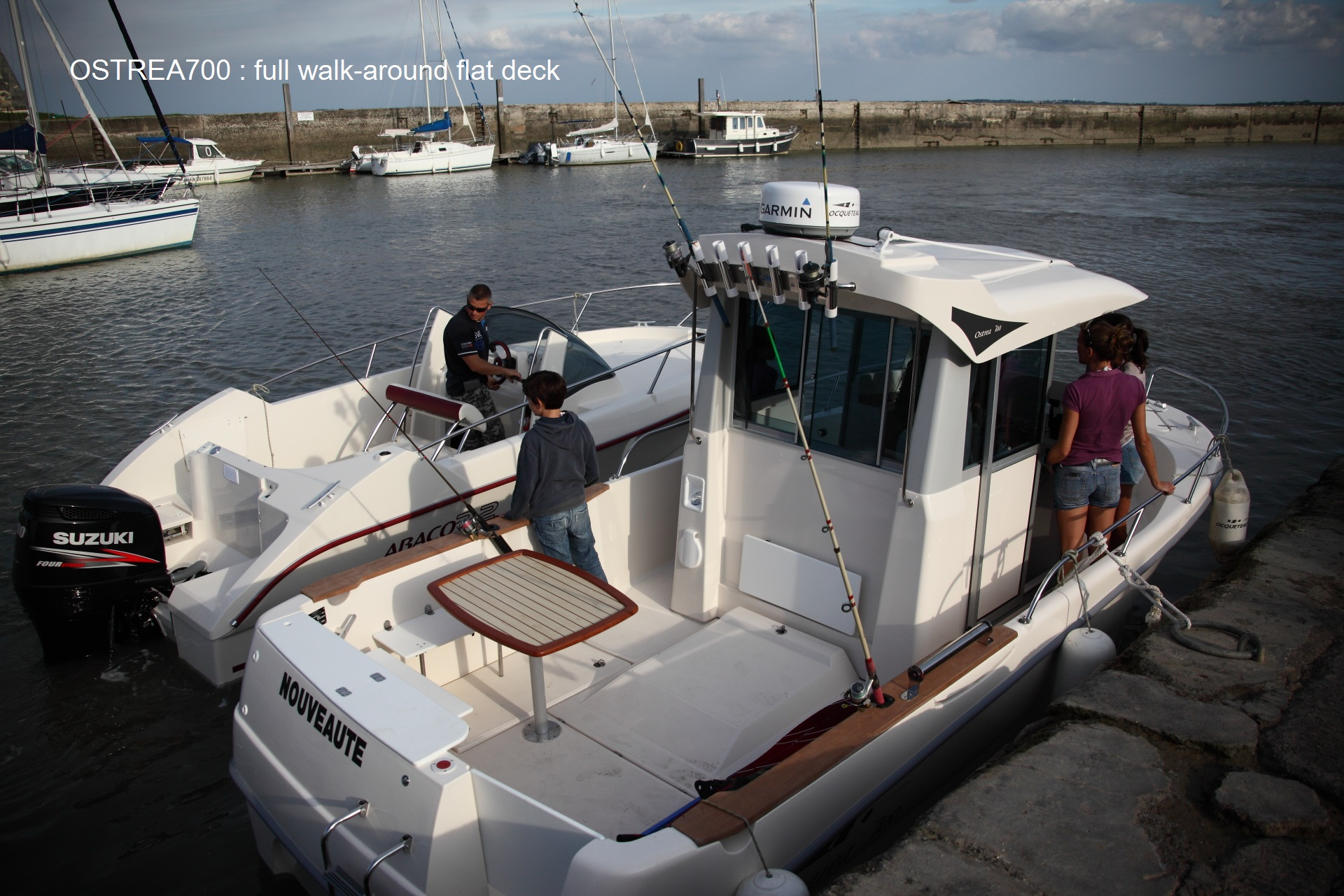 OCQUETEAU OSTREA 700 FULL WALK AROUND FLAT DECK