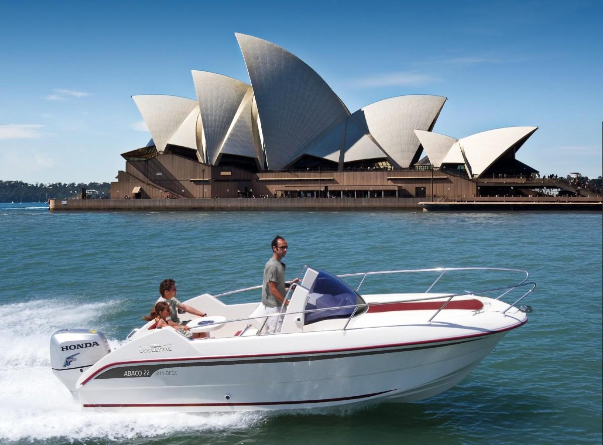 bateaux de plaisance ocqueteau ocqueteau fabrication achat et vente de bateaux moteur. Black Bedroom Furniture Sets. Home Design Ideas