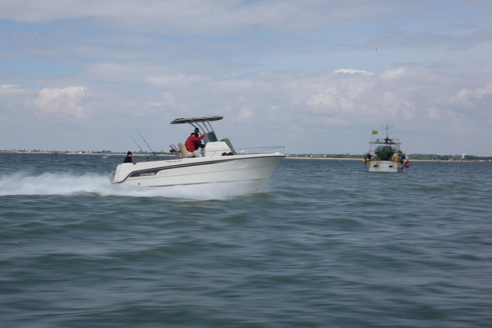 bateau  u00e0 moteur ocqueteau ostrea 700 open t-top unlimited - notre gamme