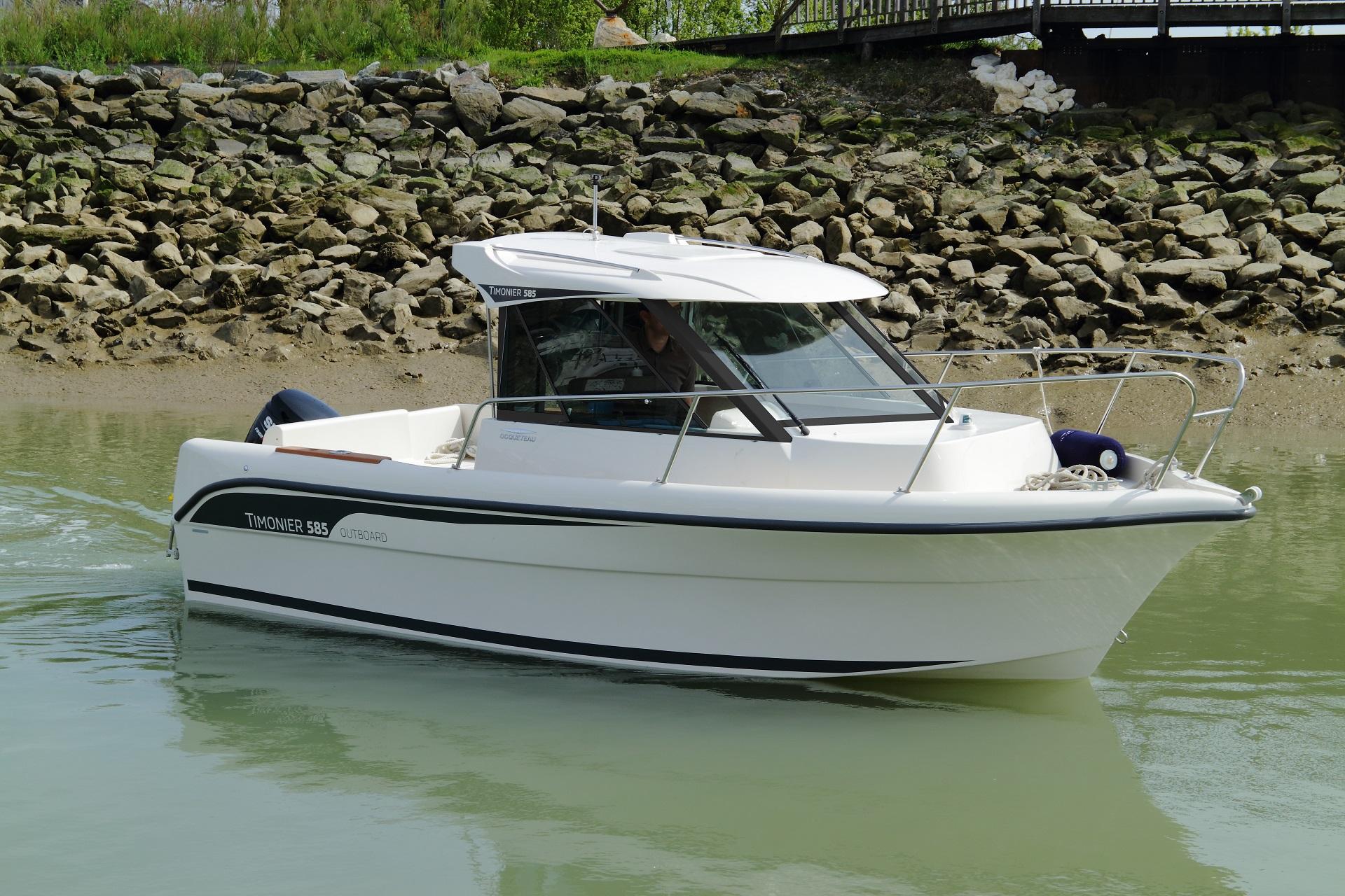 bateau  u00e0 moteur ocqueteau timonier 585
